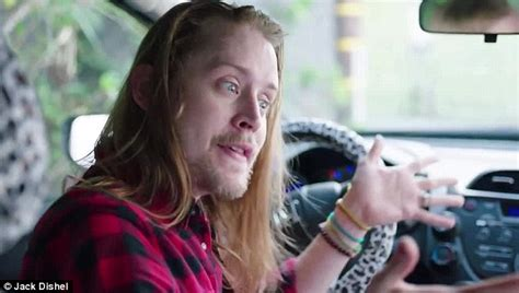 macaulay culkin plays home alone s traumatised kevin 25