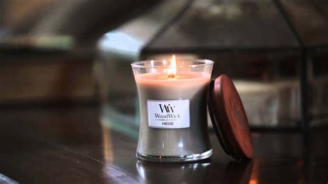 woodwork candles get to a candle brand a woodwick candle review