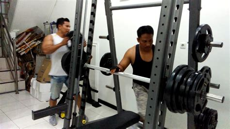 boxers bench press bench press 140kg di raga gym tempat fitness dan private