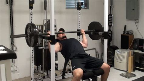 proper way to do incline bench press the best way to do incline barbell bench press to target the upper pecs