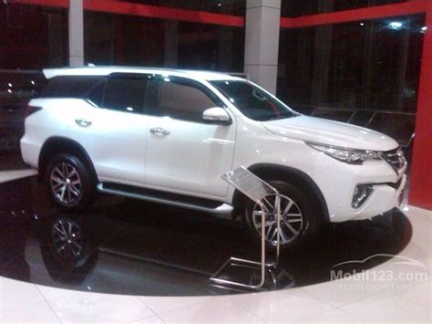 Toyota Fortuner Vrz 2 4 2016 jual mobil toyota fortuner 2016 vrz 2 4 di jawa barat