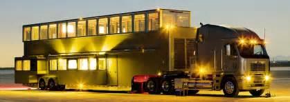 Rv Awning Room Ashton Kutcher S Villa On Wheels Inside The Actor S