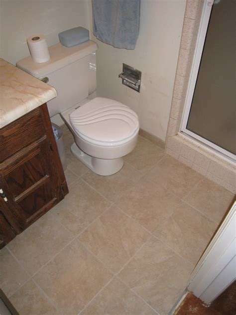 how to retile bathroom floor retiling the bathroom