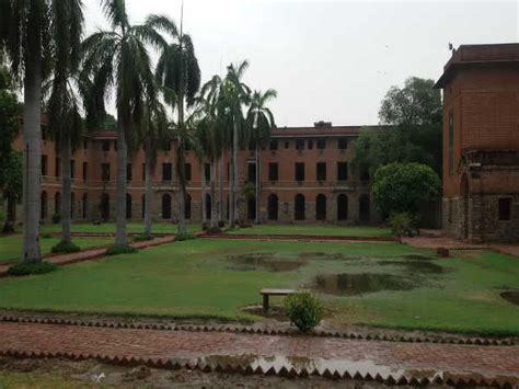 Mba At Miranda House Delhi by India S Top 10 Colleges Released By Mhrd Careerindia
