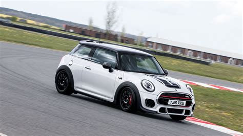 Cooper Mini 2017 Mini Cooper Works Challenge Four Laps Of