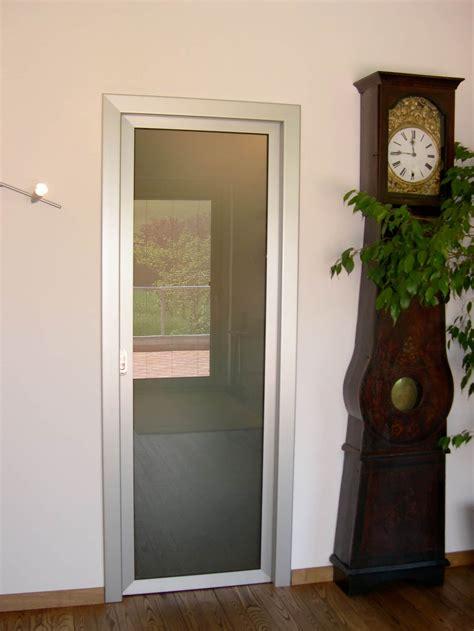 posa porte interne serramenti in alluminio savona posa serramenti savona