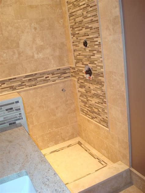 travertine tile ideas bathrooms 18 best images about bathroom tile ideas on