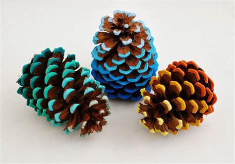 pinecone crafts whimzeecal diy friday ombre pinecone tutorial