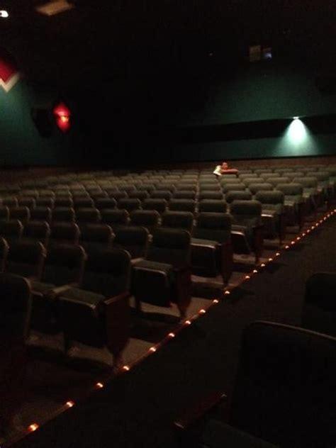 cineplex vernon amc showplace vernon hills 8 in vernon hills il cinema