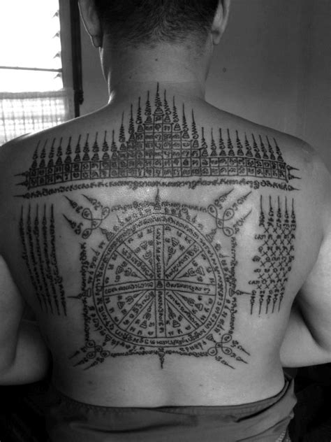 sak yant buddhist sak yant temple tattoo pinterest