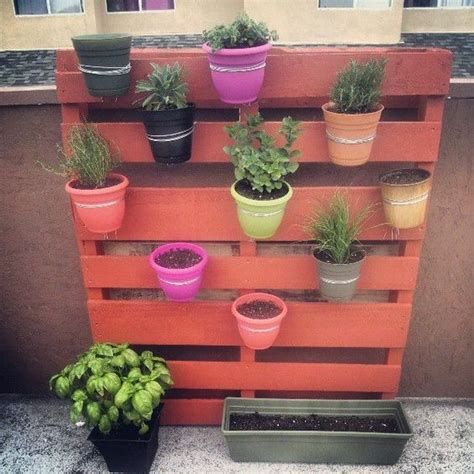 Do It Yourself Home Decorations by Fioriera Verticale Con Pallet Ecco 20 Idee Creative