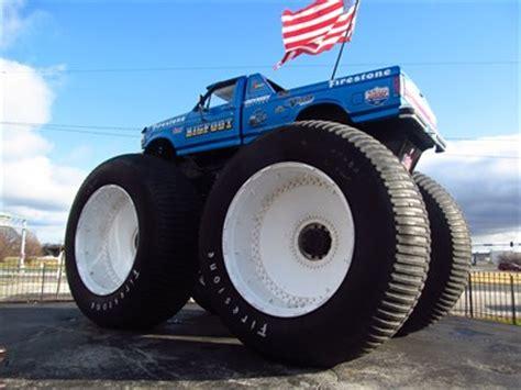bigfoot 4x4 monster truck bigfoot car www pixshark com images galleries with a bite