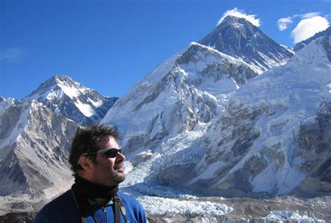 film everest montreal quebec anniversary flag can t reach everest summit