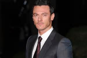 fast and furious welsh actor paul walker death luke evans pays tribute to fast and
