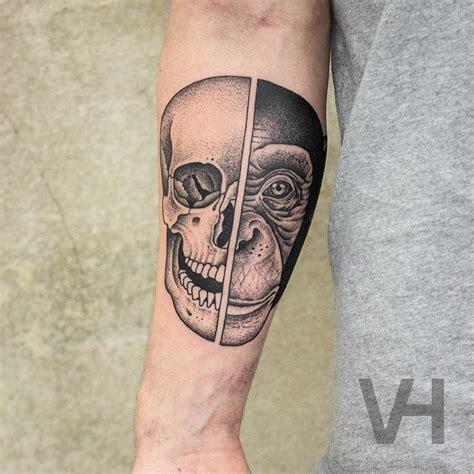 animal tattoo berlin split faced animal tattoos creatively inked on separate limbs