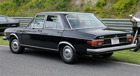 audi four door sedan file 1974 audi 100ls automatic four door sedan lime rock