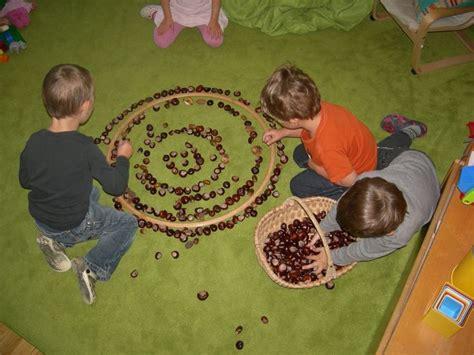 herbstdeko fenster kindergarten herbstdeko fenster kita raum und m 246 beldesign inspiration