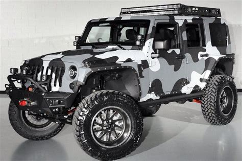 custom paint jeep that paint job will make you inconspicuous in this jeep