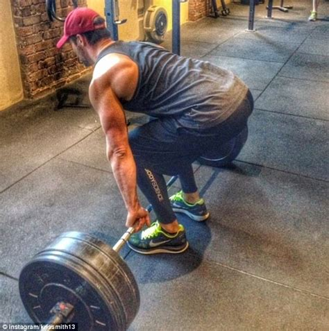 Smith Machine Bench Press Bar Weight Kris Smith Reveals He Can Lift Five Times The Weight Of