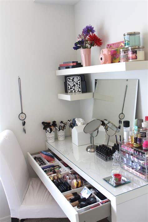 diy makeup vanity diy shelves diy makeup this is such a great way to organise a desk it s so
