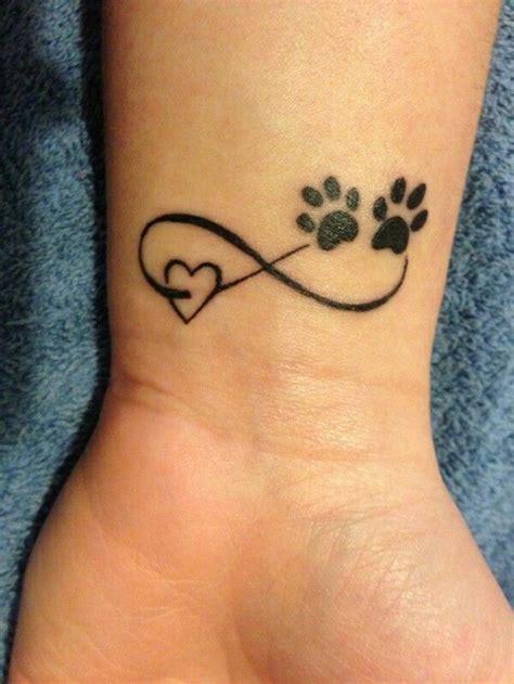 tattoovorlagen handgelenk innen unendlich herz pfoten tattoos