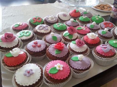 fiori con pasta di zucchero tecnica pi 249 di 25 fantastiche idee su pasta di zucchero fiori su