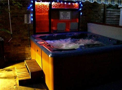 swinging club heathrow nudist spa with sauna hot tub and dungeon is ordered to
