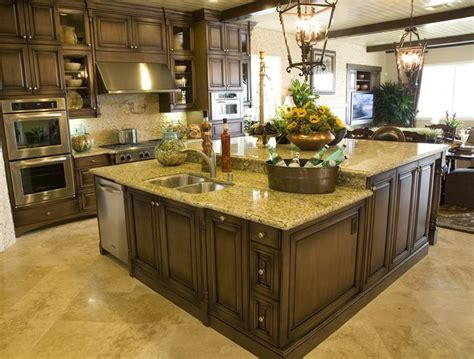 Custom Kitchen Island Ideas 25 Best Ideas About Custom Kitchens On Pinterest Custom Kitchen Cabinets Custom Kitchen