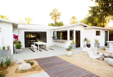 contemporary backyards 5 summer patios that showcase chic backyard design
