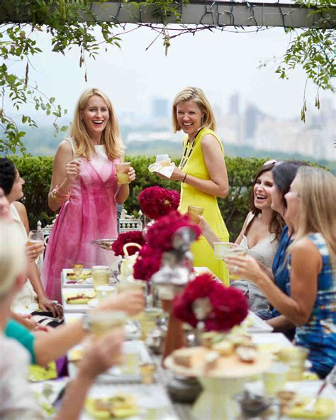What To Wear To An Afternoon Bridal Shower by S Top Tips For Throwing An Amazing Bridal Shower
