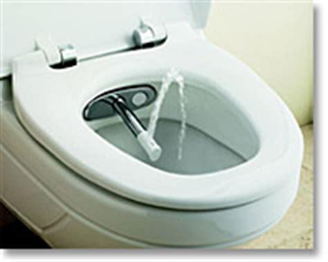 toilette mit duschfunktion einmal toilette mit duschen und f 246 hnen auf www traumbad de
