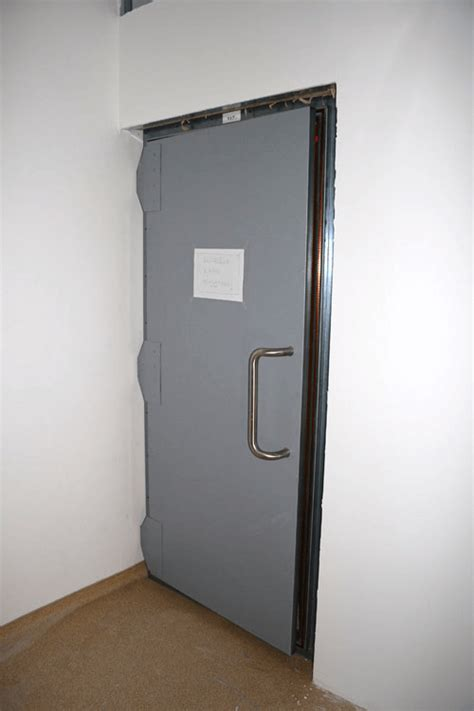 how to keep a door from swinging shut emi rfi emp shielded doors for faraday cages and emi rfi