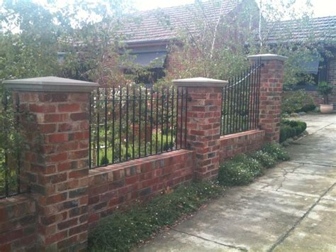 front yard brick fence designs 107 best wood and brick fences images on brick