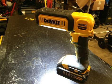 dewalt 20v area light dewalt dcl050 20v max led hand held area light daily