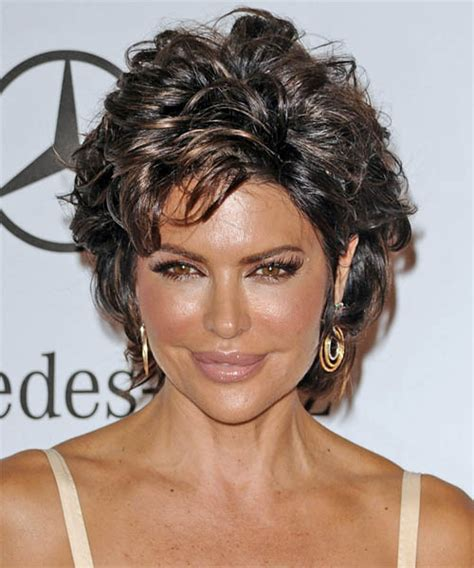 does lisa rinna have fine hair lisa rinna short straight casual hairstyle dark brunette