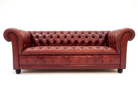oxblood chesterfield sofa fabulous tufted oxblood leather chesterfield sofa