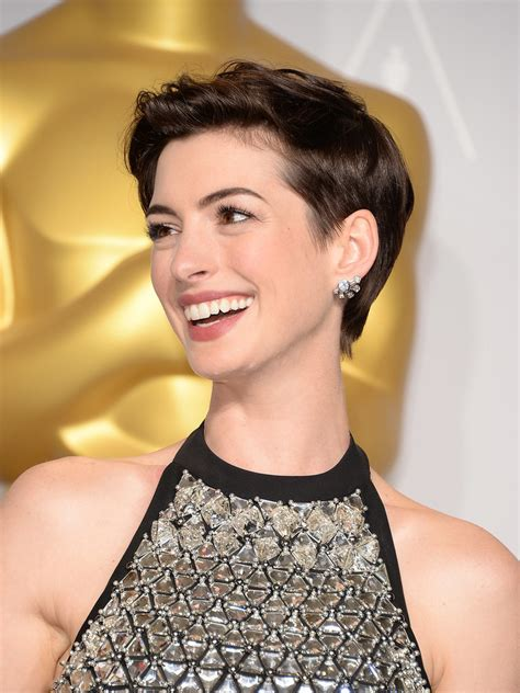 best way to sytle a long pixie hair style anne hathaway best pixie hairstyles popsugar beauty