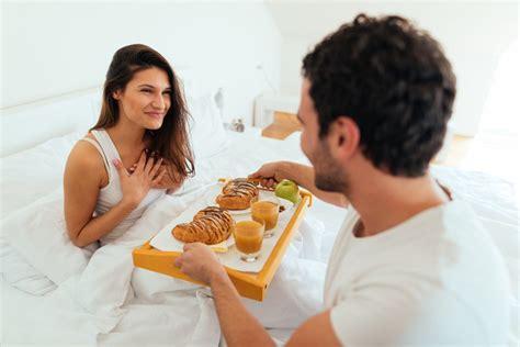 sesso sul tavolo colazione a letto o fare l sul tavolo radio deejay