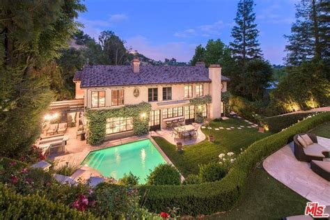kim kardashian house kim kardashian s former beverly hills house is for sale observer