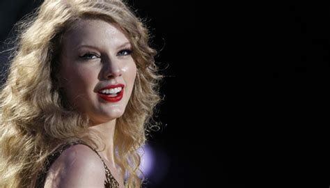 taylor swift tour employees taylor swift shares video of 1989 world tour concert film