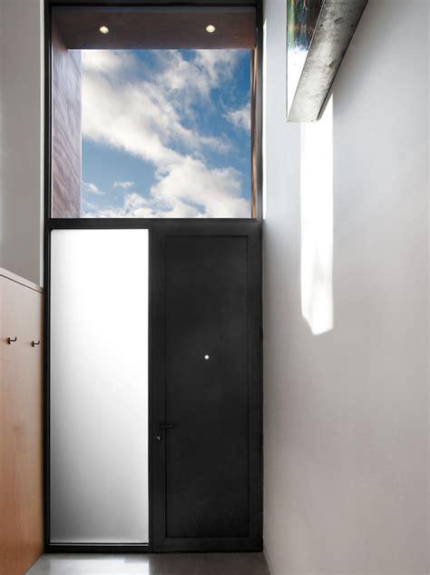 entrada esl una casa abierta y muy actual nuevo estilo