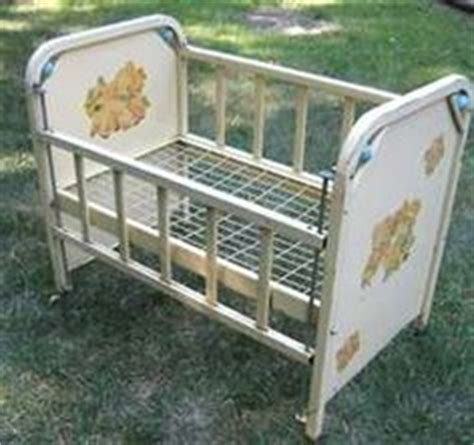 Antique Cribs For Sale by Vintage Baby Cribs On Baby Cribs Cribs And