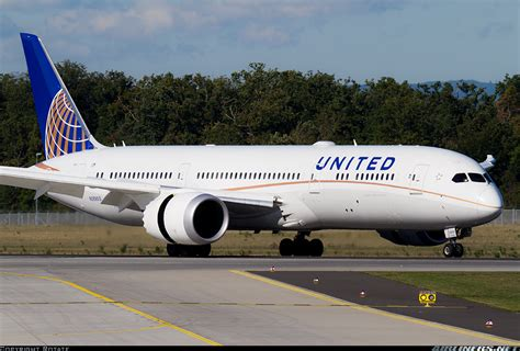 united airline sign in boeing 787 9 dreamliner united airlines aviation photo 2723585 airliners net