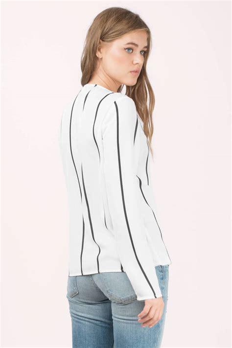 19643 Blouse Blackwhite black and white blouse black blouse surplice blouse 40 00