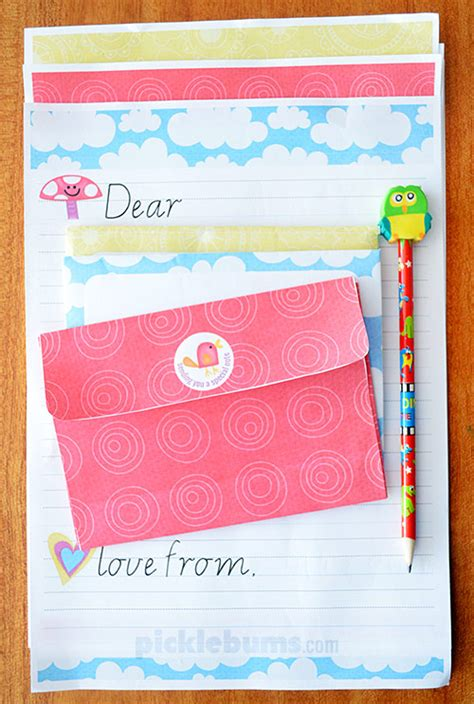 printable writing paper sets free printable kids letter writing set picklebums