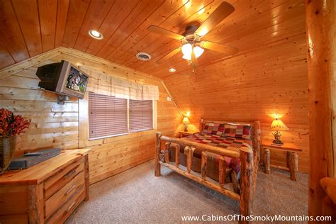 8 bedroom cabins in pigeon forge pigeon forge cabin counting stars 2 bedroom sleeps 8