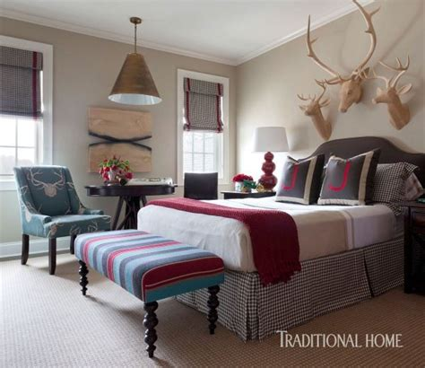 Tobi Wood Designs Trunkt by 17 Best Ideas About Window Above Bed On Small
