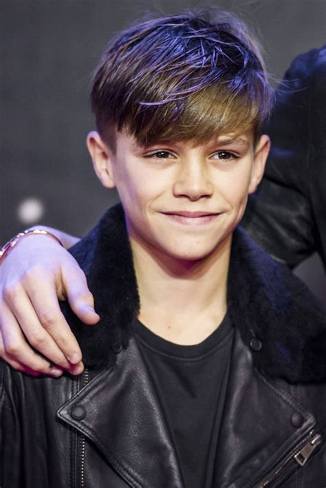 romeo beckham hairstyle star wars premiere brooklyn and romeo beckham match in