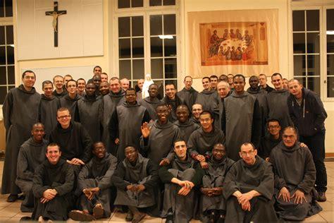 le chapitre gnral de la communaut saint jean reconnat mgr blondel nomm 233 commissaire pour la communaut 233 saint