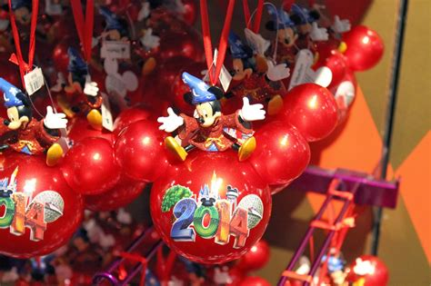 disneyland christmas decorations for 2014 party